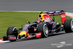 f1-japanese-gp-2015-daniil-kvyat-red-bull-racing-rb11