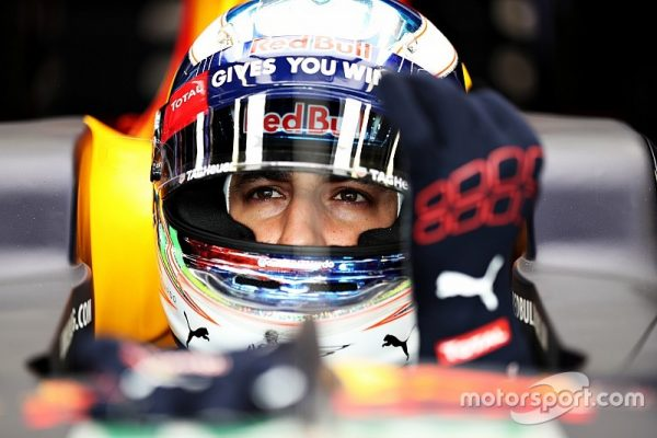f1-monaco-gp-2016-daniel-ricciardo-red-bull-racing