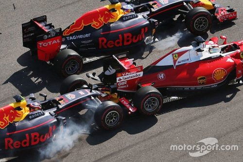 f1-russian-gp-2016-daniil-kvyat-red-bull-racing-rb12-crashes-into-sebastian-vettel-ferrari