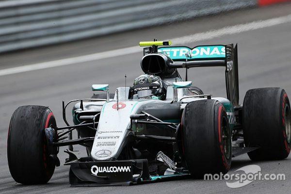 f1-austrian-gp-2016-nico-rosberg-mercedes-amg-f1-limps-around-the-track