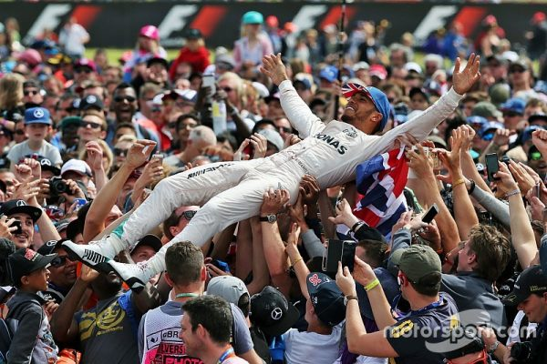 f1-british-gp-2016-race-winner-lewis-hamilton-mercedes-amg-f1-celebrates-with-the-fans