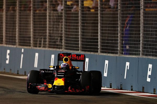 f1-singapore-gp-2016-max-verstappen-red-bull-racing